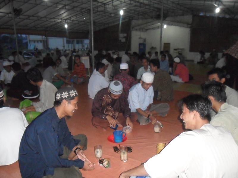 الإفطار الجماعي لصيام التطوع كل يوم الاثنين