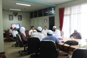 زيارة إلى قناة تلفاز إندونيسيا الرسمية مع الشيخ د محمد الهبدان حفظه الله تعالى